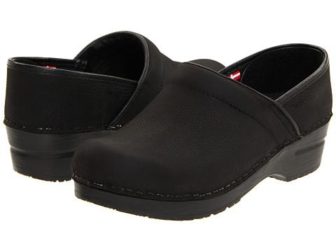 Savvy Brand Nursing Shoes