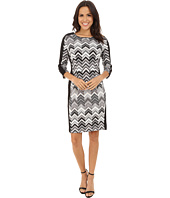 Vince Camuto - 3/4 Sleeve Zigzag Gates Scuba Dress