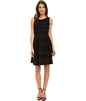 Donna Morgan - Sleeveless Crepe and Lace Fit and Flare