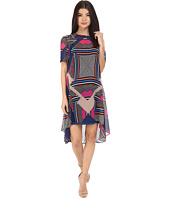 Donna Morgan - Short Sleeve Chiffon Trapeze Dress