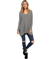 Culture Phit - Ellena Striped V-Neck Long Sleeve Top