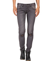 Rock and Roll Cowgirl - Low Rise Skinny in Grey Wash W0S8492