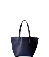 Marc Jacobs - Wingman Shopping