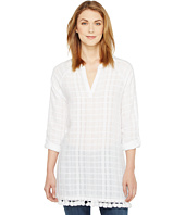 TWO by Vince Camuto - Long Sleeve Textured Gauze Tassle Hem Tunic
