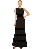 Vince Camuto - Sleeveless Bateau Neck Mermaid Gown