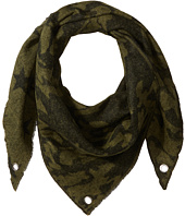 Steve Madden - Camo Stars Triangle Blanket Wrap