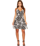 ROMEO & JULIET COUTURE - Mesh Flower Patch Fit and Flare Dress