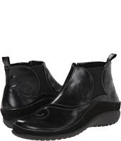 Naot Footwear - Chi